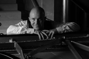 Konzert: Melodien für Gesang und Klavier mit Helgard Rehders und James Maddox @ Matthias-Claudius-Gemeindehaus