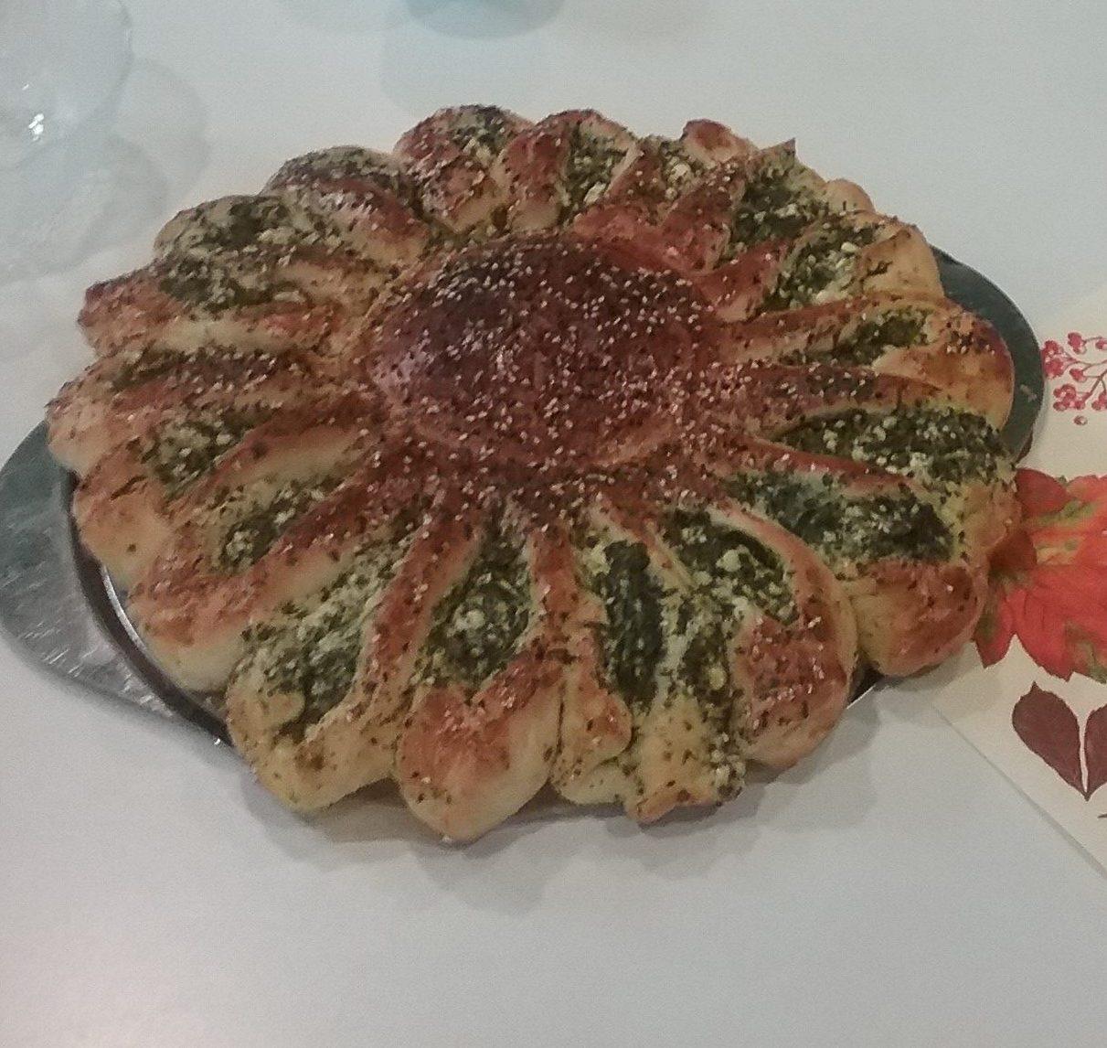 feta spinat blume rezept vom internationalen kochen im april evangelische johannes. Black Bedroom Furniture Sets. Home Design Ideas